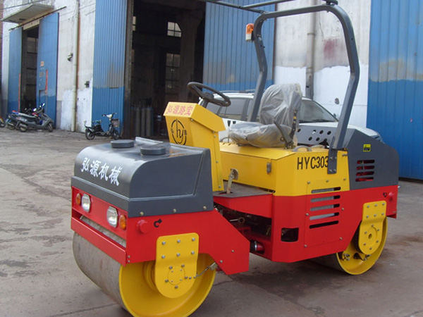 HYC303 road roller